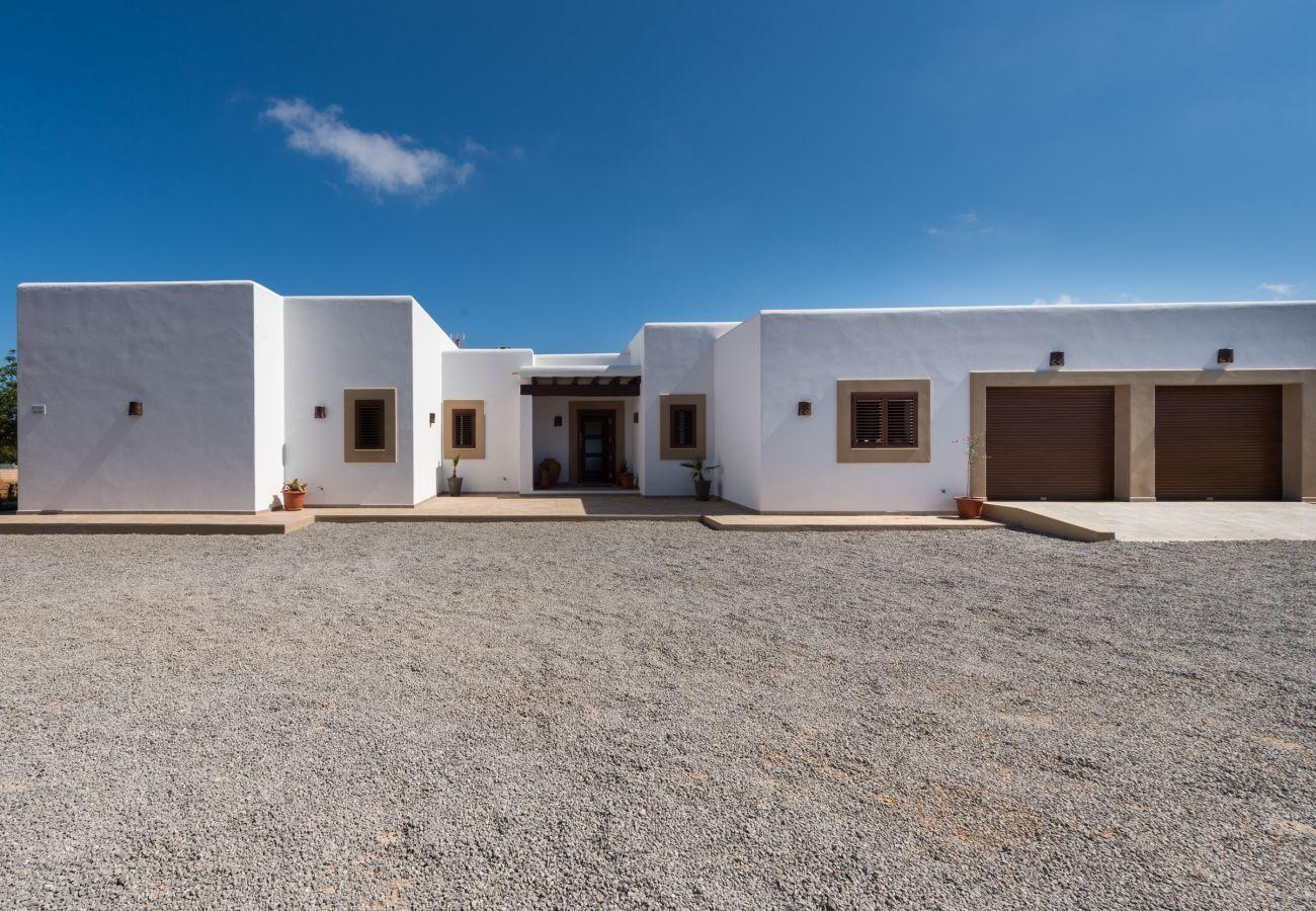 Villa in Ibiza / Eivissa - Ses Dos Illes, Villa-Finca 5StarsHome Ibiza