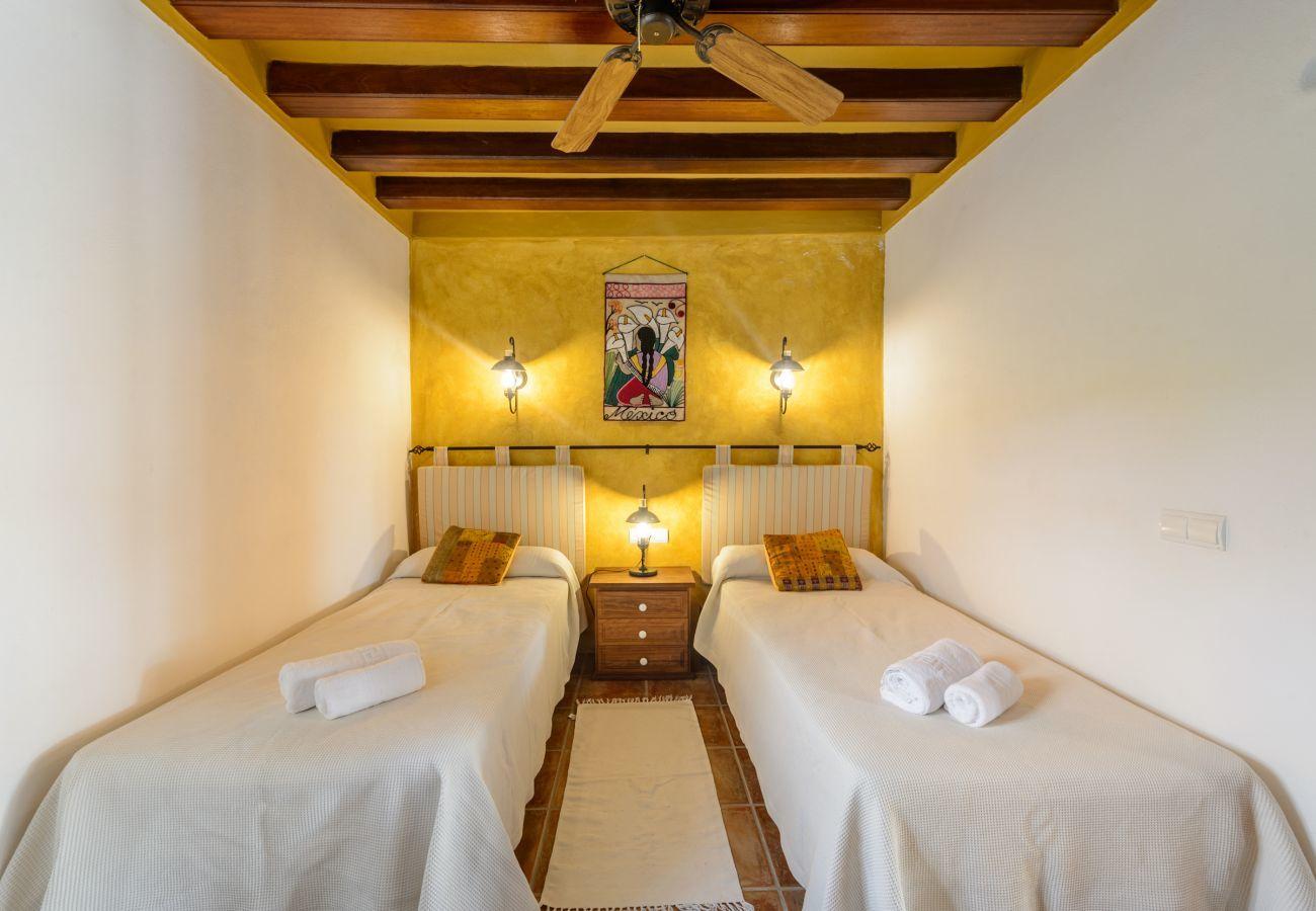 Villa in San Carlos/ Sant Carles de Peralta - Andreuet, Villa 5StarsHome Ibiza